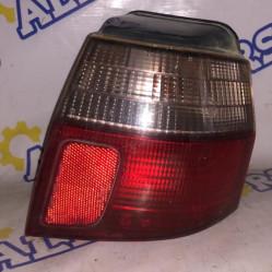 Mitsubishi Galant (универсал) 2000 год, стоп сигнал задний правый
