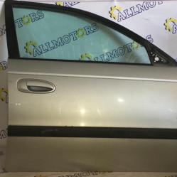Toyota Avensis (универсал) 2002 год, дверь передняя правая