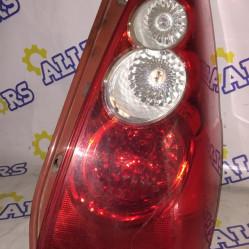Mazda 5, стоп сигнал задний правый