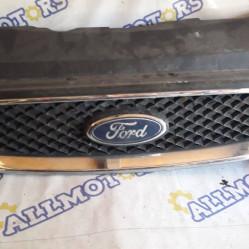 Ford Focus 2004 год, решётка радиатора