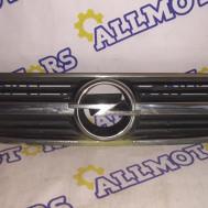 Opel Zafira A, решётка радиатора