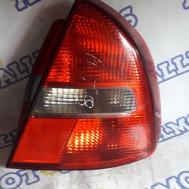 Mitsubishi Carisma (хэтчбек) 2000 год, стоп сигнал задний правый
