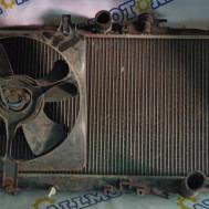 Honda Accord 2000 год (европеец), радиатор охлаждения двигателя