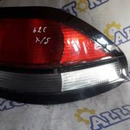 Mazda 626 (хэтчбэк) 1998 год, стоп сигнал задний правый