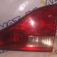 Toyota Avensis Verso, задний правый фонарь крышки багажника