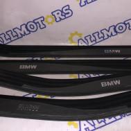 BMW e-60, пластиковые накладки порогов