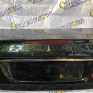 Mercedes-Benz W211, Крышка багажника