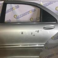 Mercedes-Benz W220 2000 года, дверь задняя левая